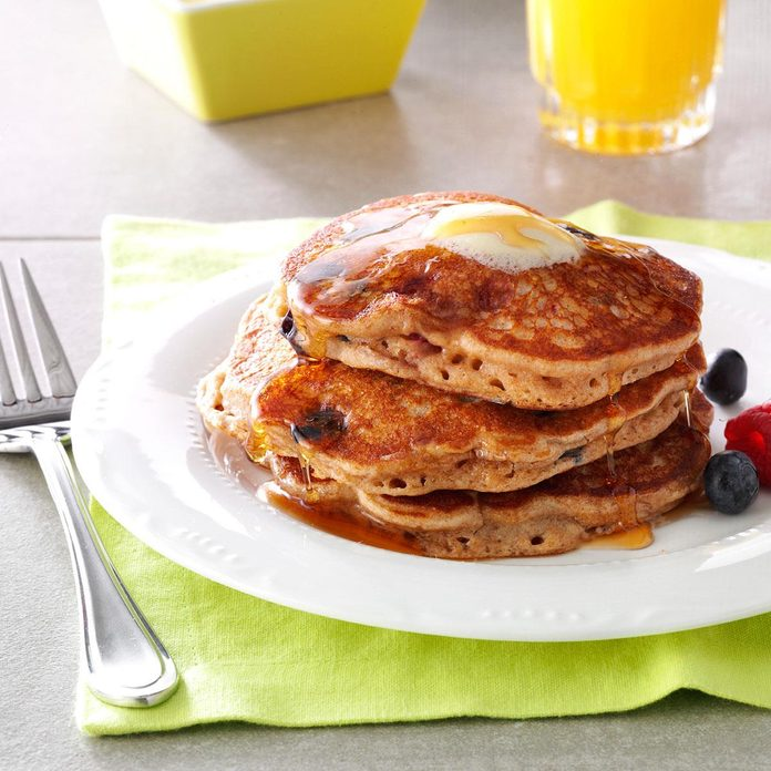 Berry Granola Pancakes