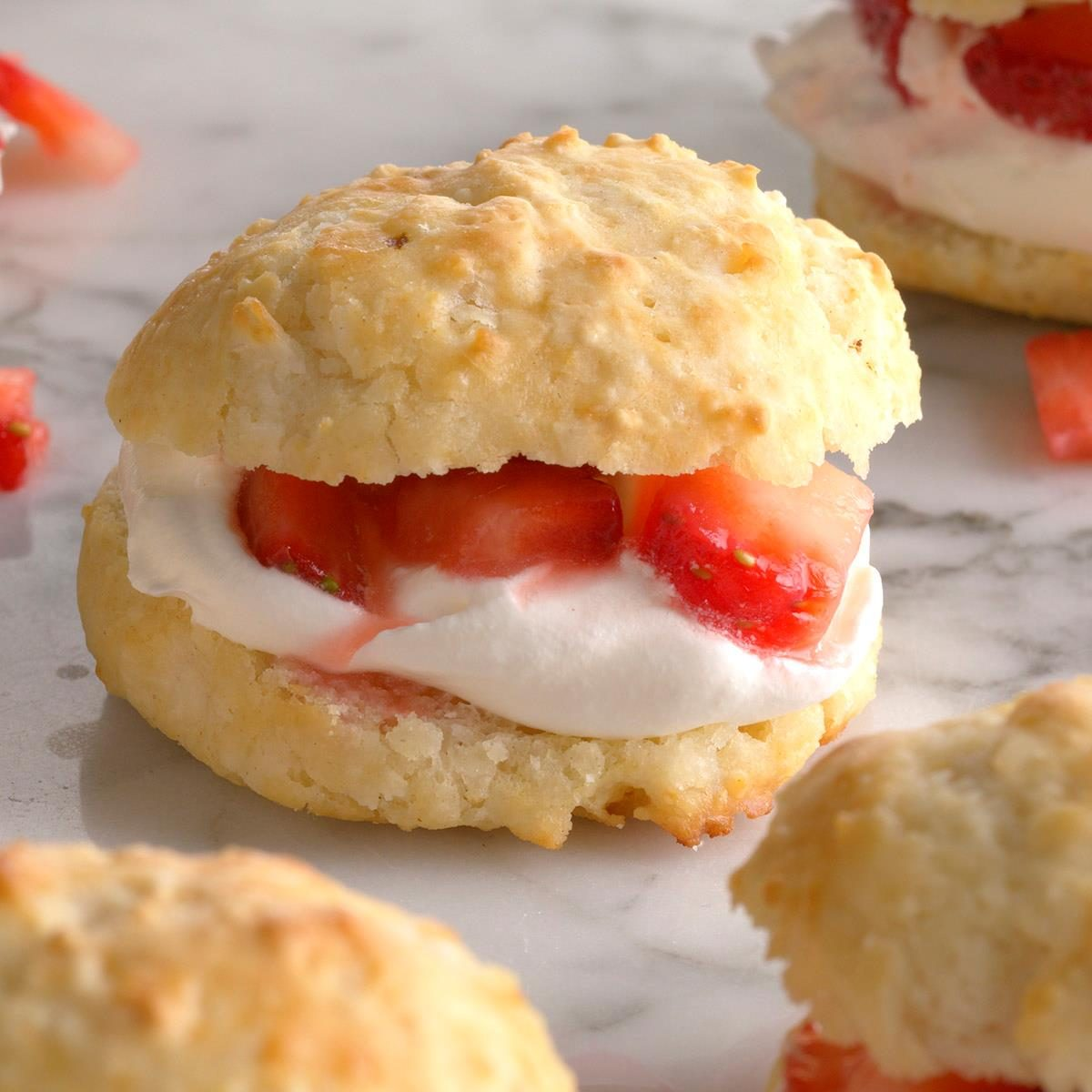 Biscuit Strawberry Shortcake Exps Qebz20 10622 B01 22 5b 2