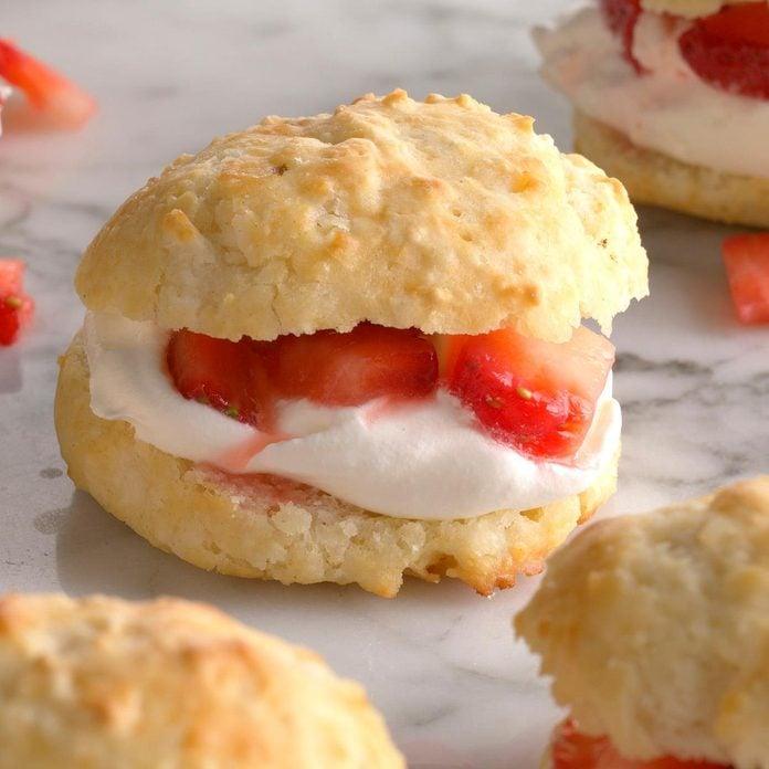 Biscuit Strawberry Shortcake Exps Qebz20 10622 B01 22 5b 3
