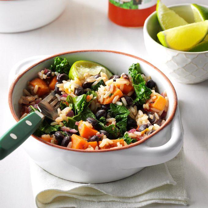 Black Bean Sweet Potato Rice Bowls Exps Sddj17 195354 D08 03 3b 10