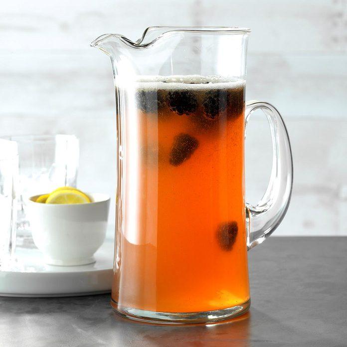 Blackberry Beer Cocktail Exps Jmz18 150441 C03 14 3b 2