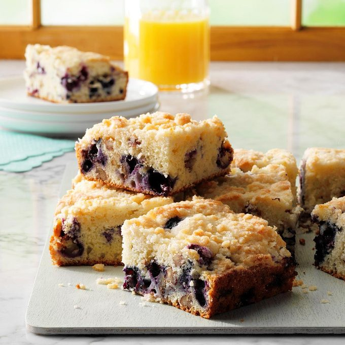 Blueberry Streusel Coffee Cake Exps Ghbz18 1827 E08 15 9b 10