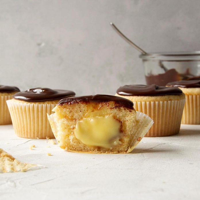 Boston Cream Cupcakes Exps Ft20 45045 F 0428 1 Home 1