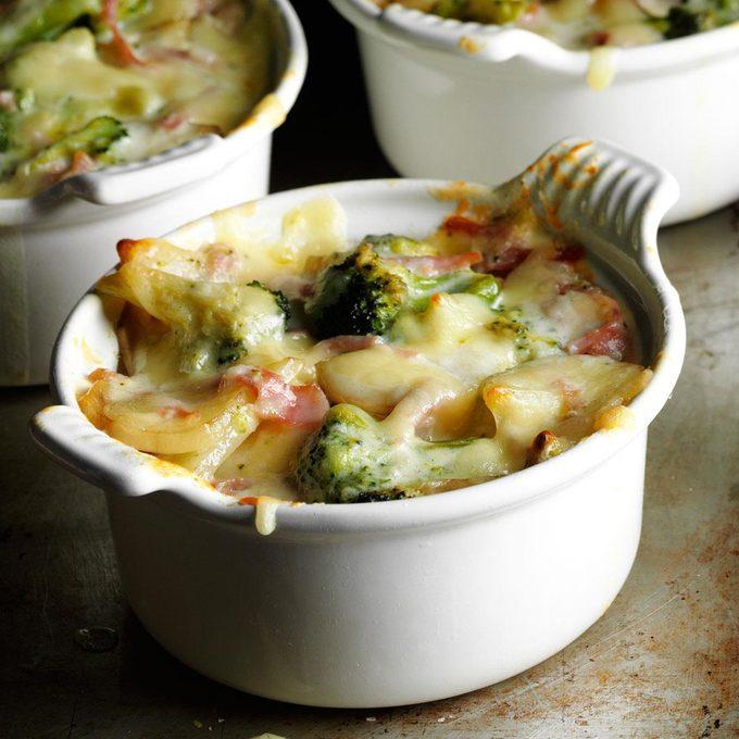 Broccoli Scalloped Potatoes Exps29591 Sd142780b08 15 3bc Rms. 2