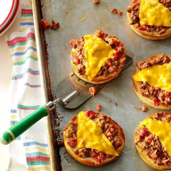 Broiled Pizza Burgers Exps26032 Gb143373d01 15 4bc Rms