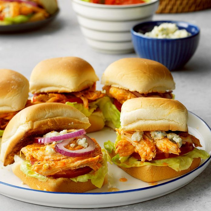 Buffalo Chicken Sliders Exps Tohfm20 186279 E09 20 3b 8