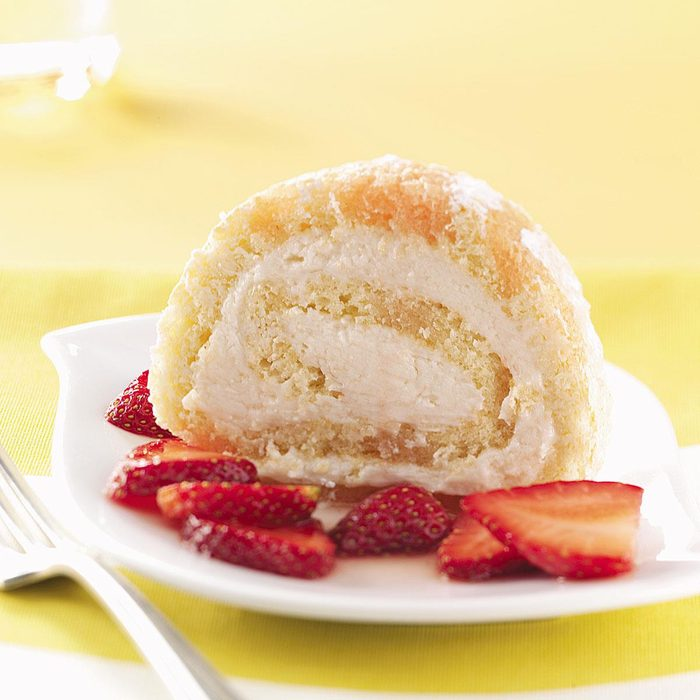 Cake Roll with Berries