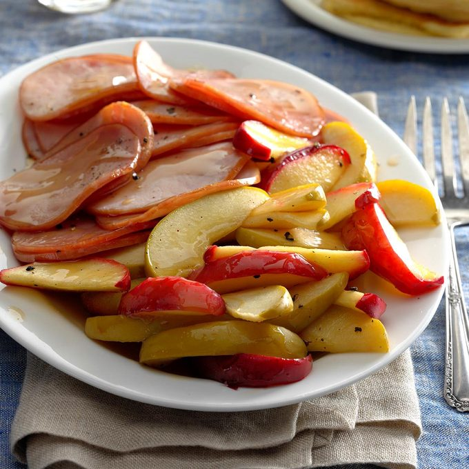 Canadian Bacon With Apples Exps Thca17 22546 B11 03 3b