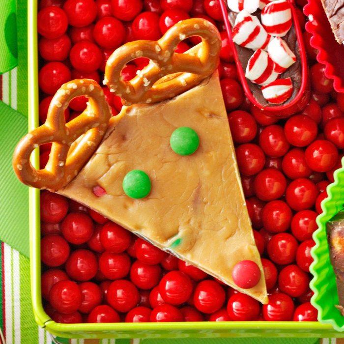 Candy Bar Fudge Reindeer Exps162252 Sd2401789c09 13 1b Rms
