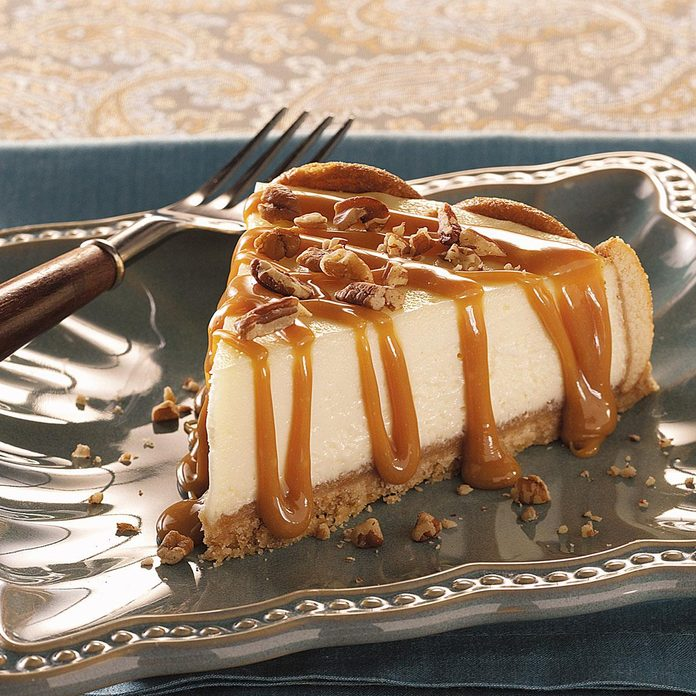 Caramel Praline Topped Cheesecake Exps34790 Cod2043879a07 08 1bc Rms 3