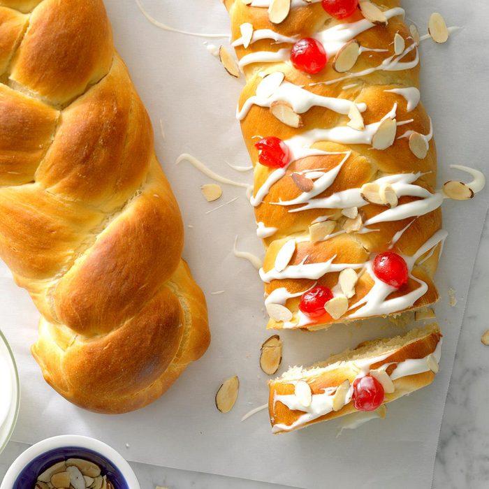 Cardamom Holiday Bread
