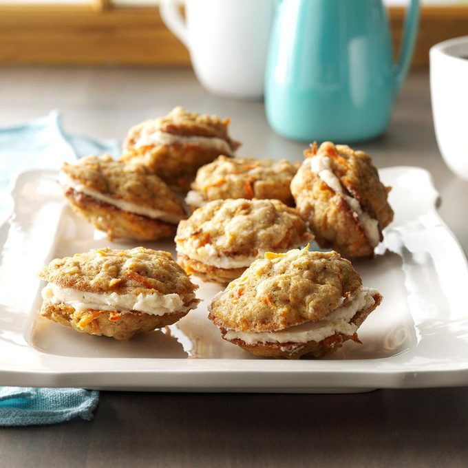 Carrot Cake Sandwich Cookies Exps Cbz16 98059 C04 29 4b