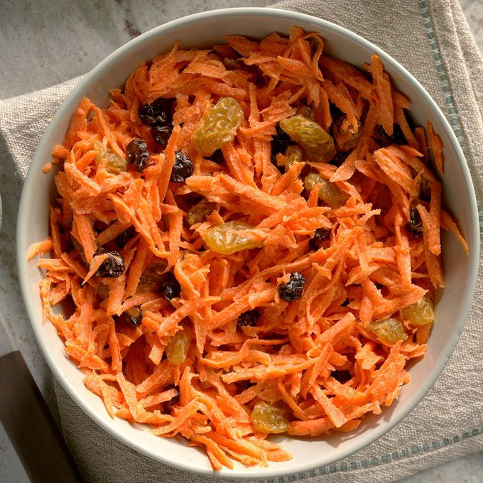 Carrot Raisin Salad Exps Qebz20 118 B01 22 3b 5