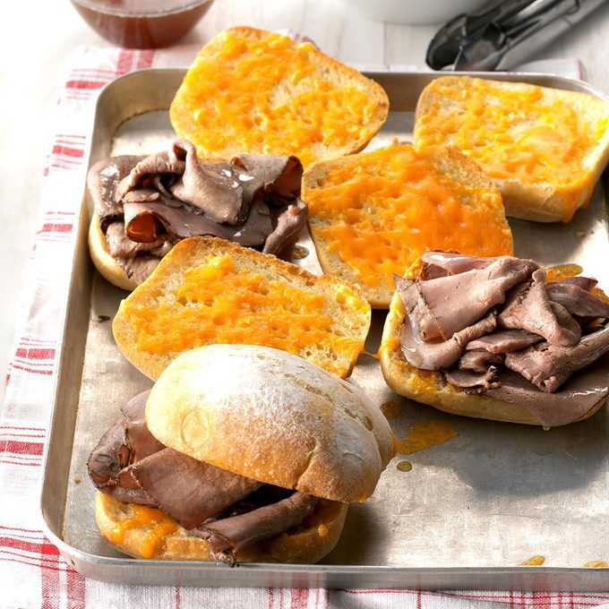 Cheddar French Dip Sandwiches Exps Sdfm19 45285 C10 17 2b 5