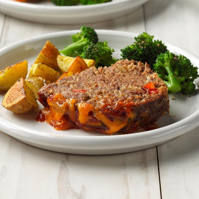 Cheddar Topped Barbecue Meat Loaf Exps Scmbz19 129245 B01 23 1b 3