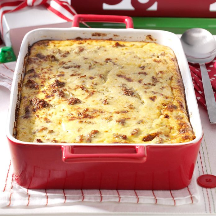 Cheese Grits Sausage Breakfast Casserole Exps141121 Hca2379809a12 13 4b Rms 3