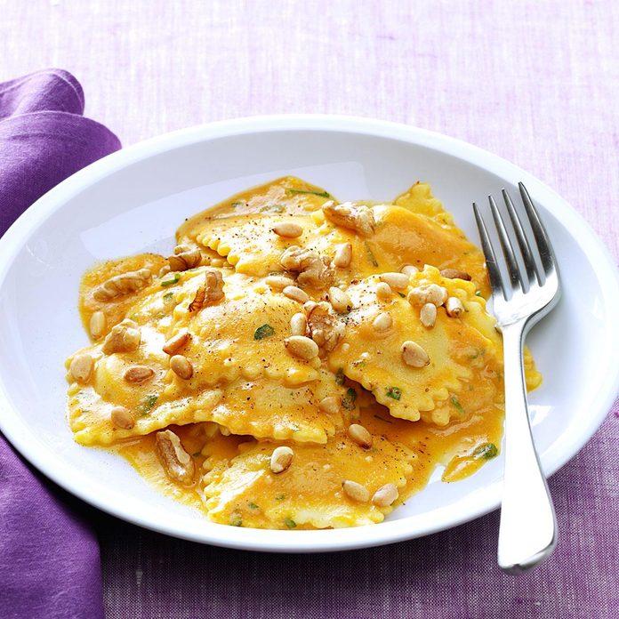 Cheese Ravioli With Pumpkin Alfredo Sauce Exps95605 Thhc2236536b05 20 5bc Rms 2