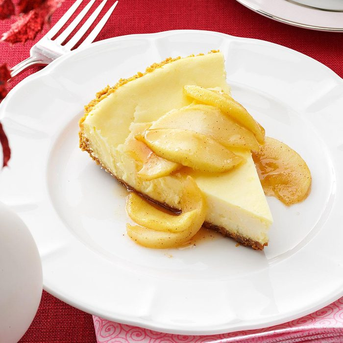 Cheesecake With Caramel Apple Topping Exps160934 Thca2916394b01 17 10bc Rms
