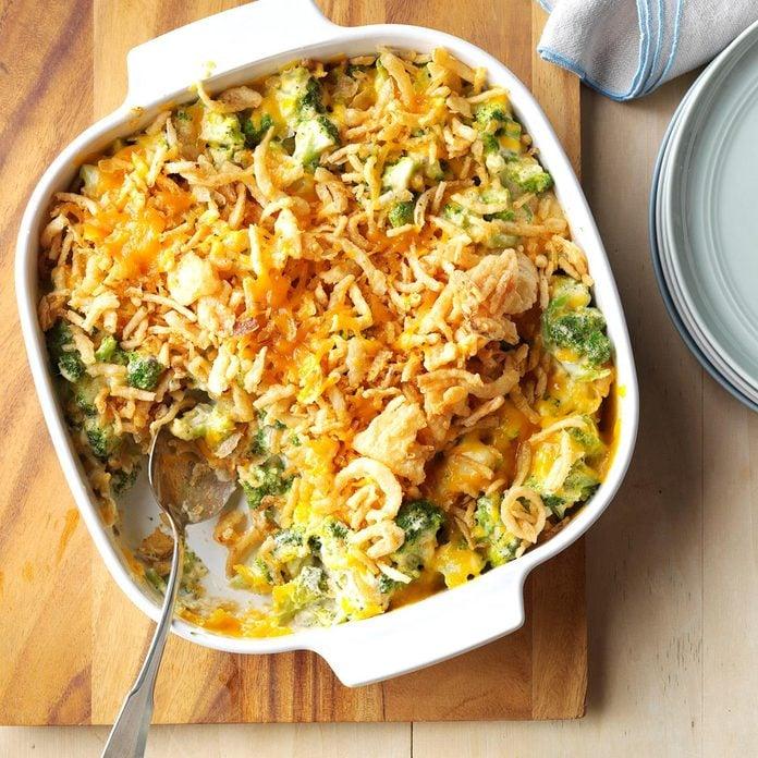 Cheesy Cheddar Broccoli Casserole Exps Sdfm17 28900 C09 30 6b 10