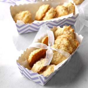 Chewy Coconut Macaroons