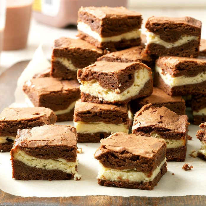 Chewy Cream Cheese Brownies Exps H13x9bz17 35887 D06 08 5b 3