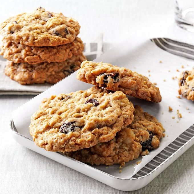 Chewy Good Oatmeal Cookies Exps159556 Th2379807a11 01 8bc Rms 5