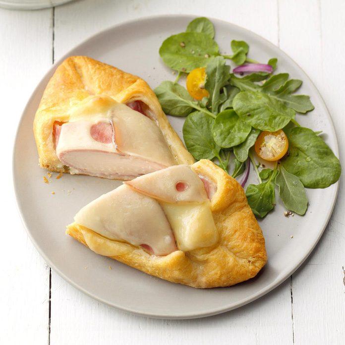 Chicken Cordon Bleu In Pastry Exps Sddj19 29991 B07 13 10b 5