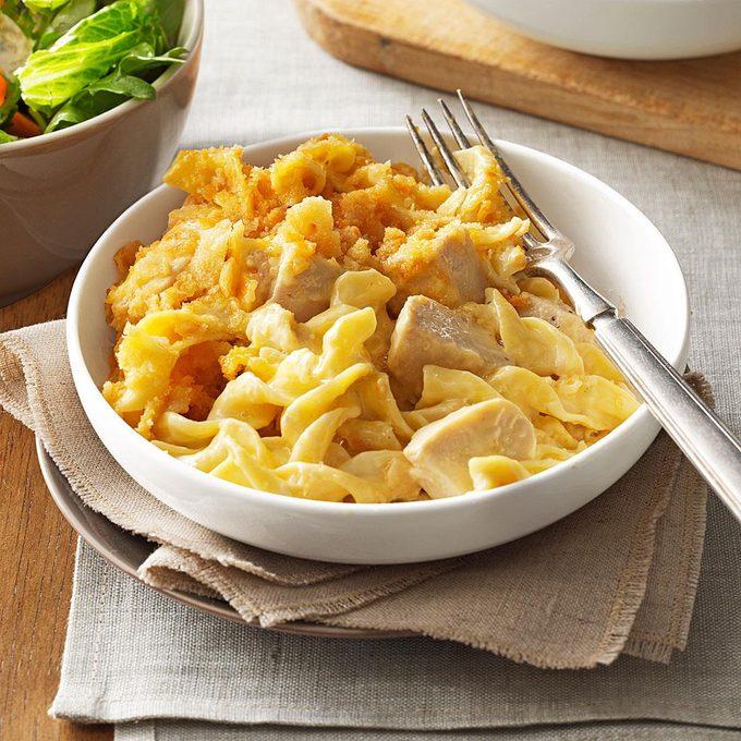 Chicken Egg Noodle Casserole Exps173191 Th132104c06 26 1bc Rms