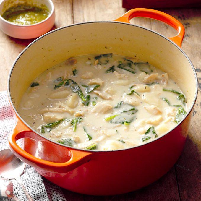 Chicken Gnocchi Pesto Soup Exps Chkbz18 72834 B10 12 1b 3