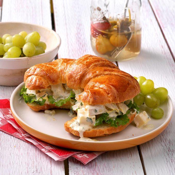 Chicken Salad Croissants Exps Wrsm17 10876 D03 29 2b 4
