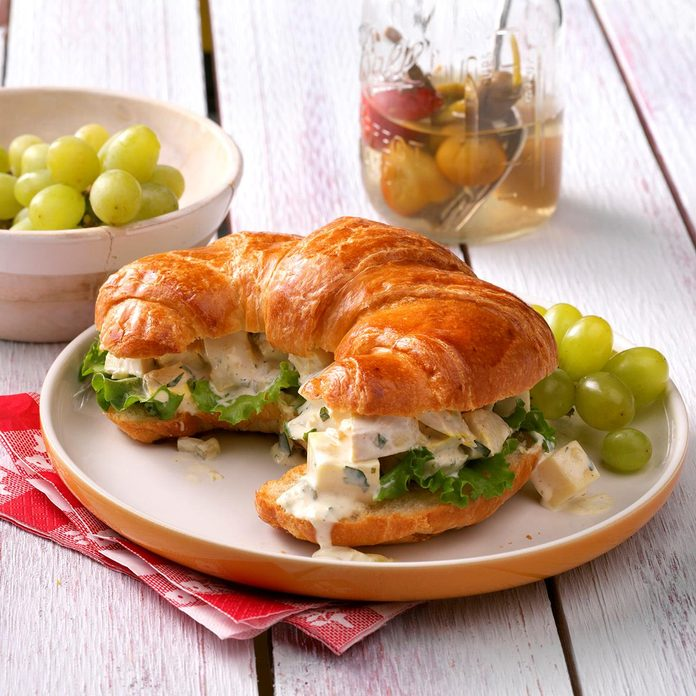 Chicken Salad Croissants Exps Wrsm17 10876 D03 29 2b 4