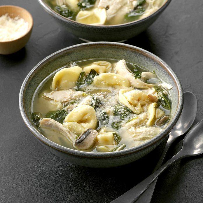 Chicken & Spinach Tortellini Soup