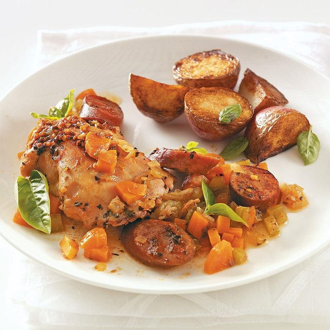 Chicken Thighs With Sausage Exps50339 Thhc1997841c08 16 5bc Rms 2