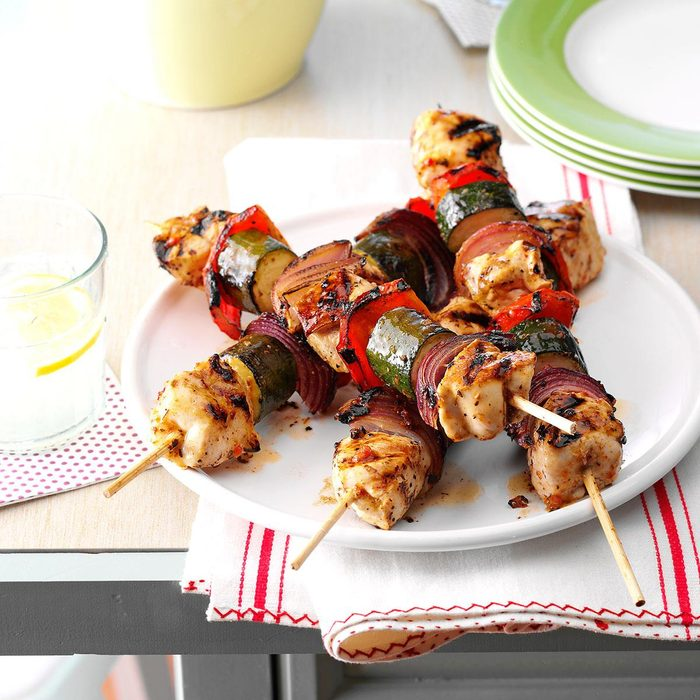 Chicken Vegetable Kabobs Exps52328 Th143192b02 07 2b Rms