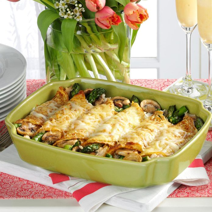 Chicken And Asparagus Crepes Exps125631 Hc2379809b04 03 1bc Rms 3