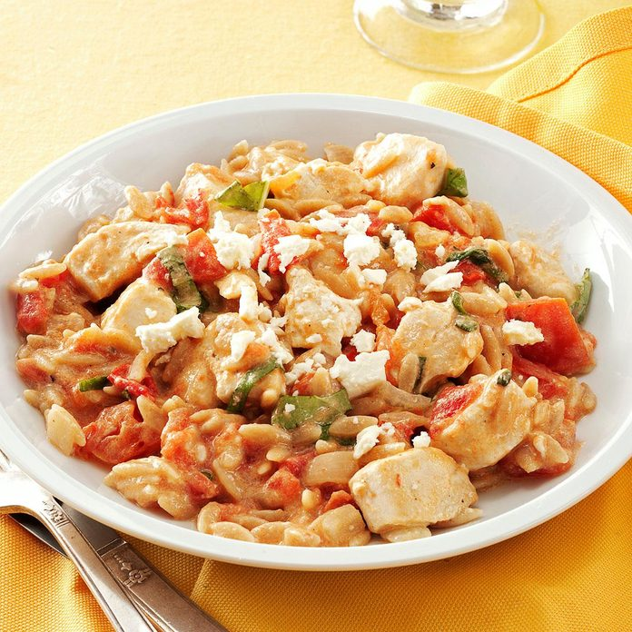 Chicken In Tomato Basil Cream Sauce Exps147613 Thhc2377563c05 01 5bc Rms 2