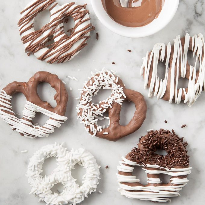 Chocolate Covered Pretzels Exps Ft19 46159 F 0904 1 4