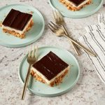 Chocolate-Peanut Cheesecake Bars