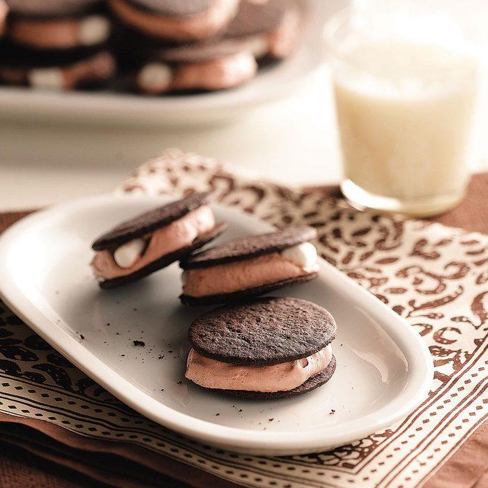 Chocolate Pudding Sandwiches