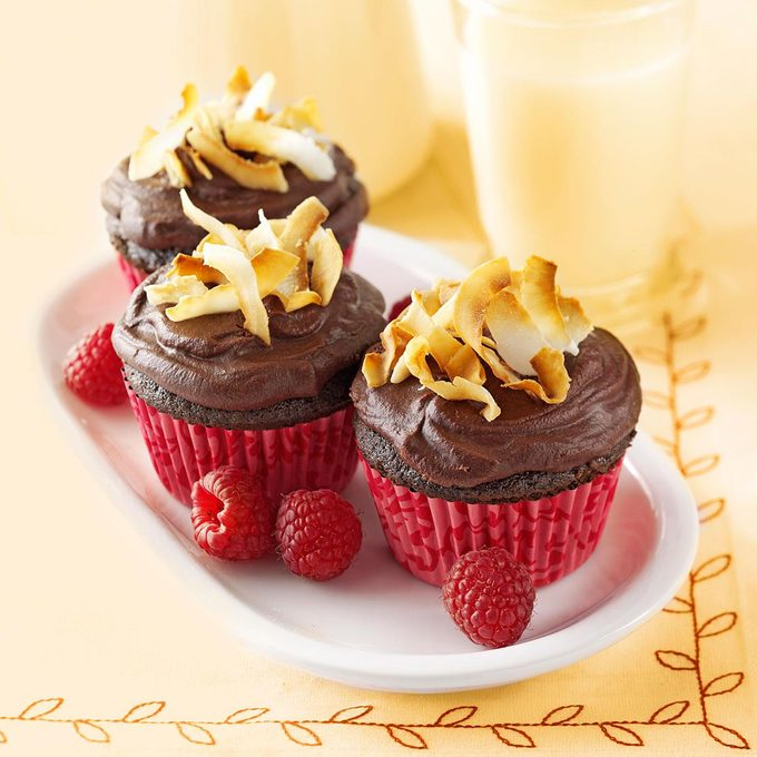 Chocolate Raspberry Cupcakes Exps112367 Baftb2307047a02 14 4bcover Rms 2