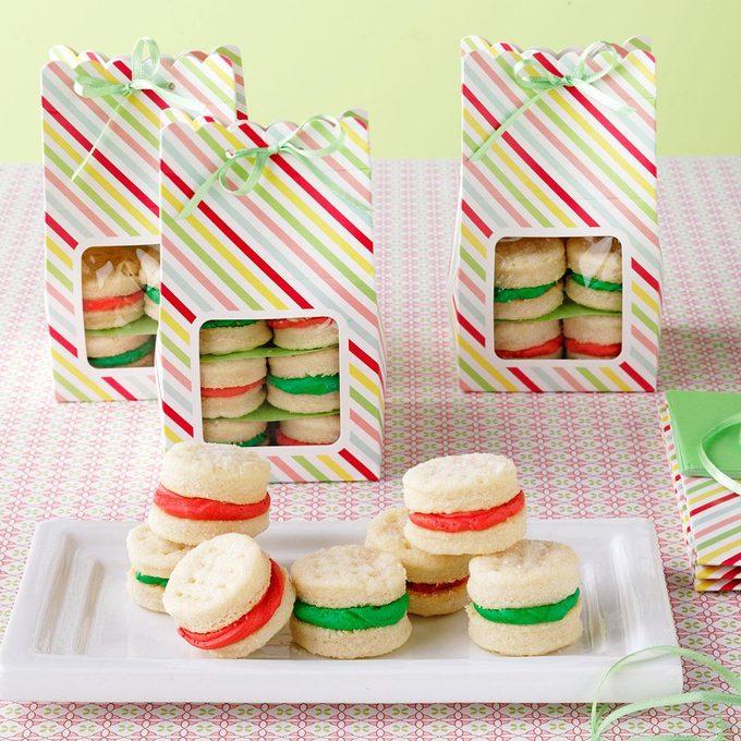 Christmas Sandwich Cremes Exps9495 Hfg2661989b04 11 2bc Rms