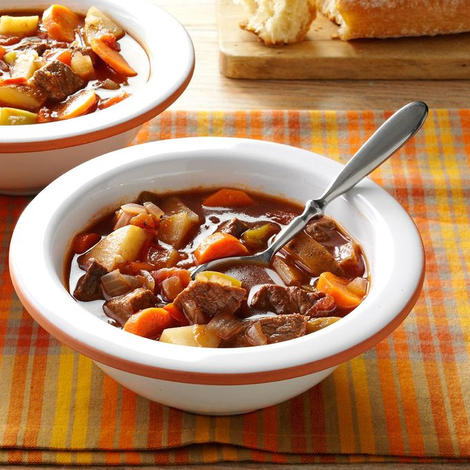 Chunky Beef Vegetable Soup Exps134013 Sd142780d08 20 5bc Rms 2