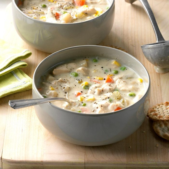 Chunky Creamy Chicken Soup Exps Hscbz17 31864 D07 26 2b 10