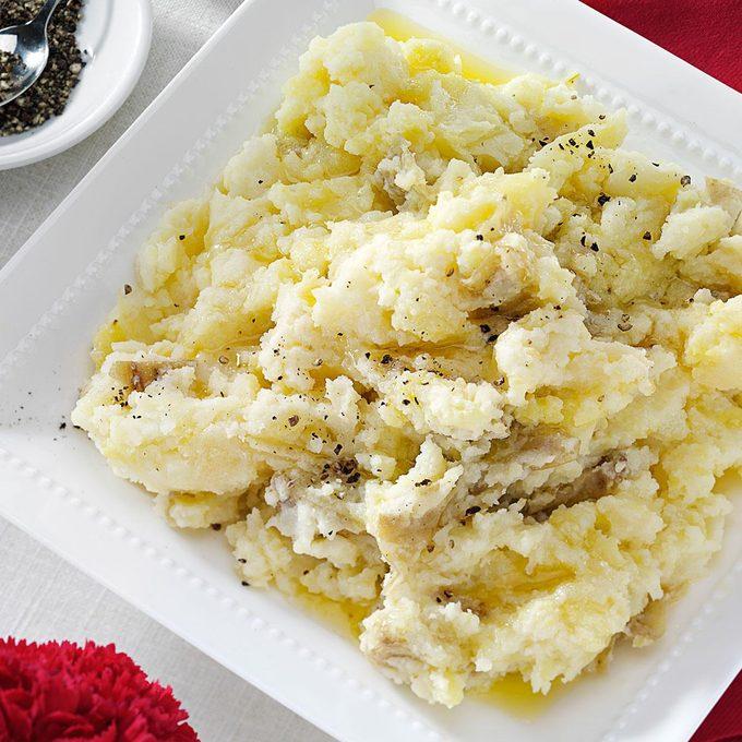 Chunky Garlic Mashed Potatoes Exps89339 Th2236622b08 10 7bc Rms