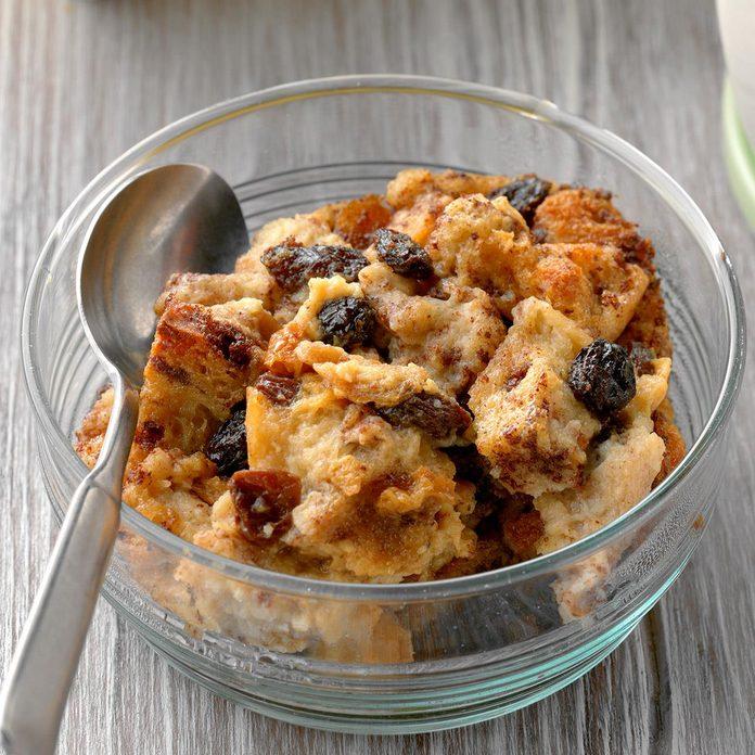 Cinnamon Raisin Bread Pudding Exps Cf2bz20 26842 B11 20 6b 5