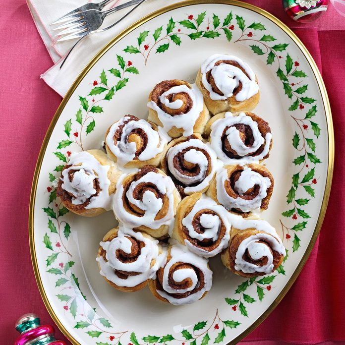 Cinnamon Roll Christmas