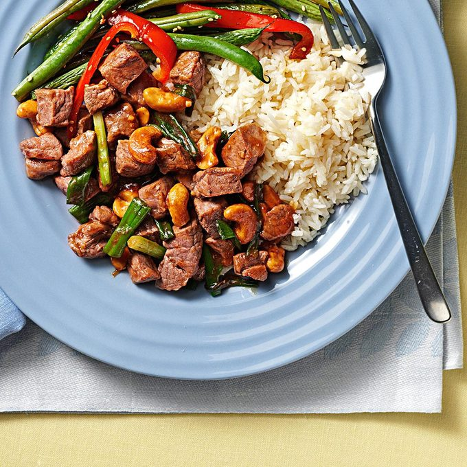 Classic Cashew Beef Exps71846 Th1999636b02 01 1bc Rms 2