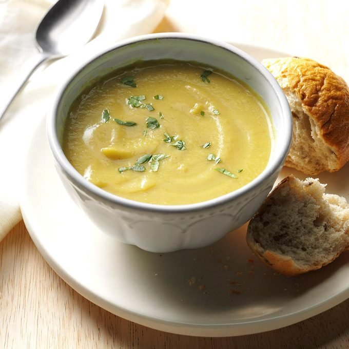 Coconut Curry Cauliflower Soup Exps Thn16 177635 06b 15 5b 9