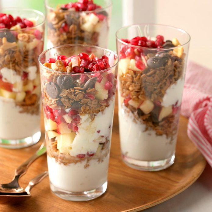 Coconut Granola Yogurt Parfaits Exps Cmz18 163536 D10 26 3b 3