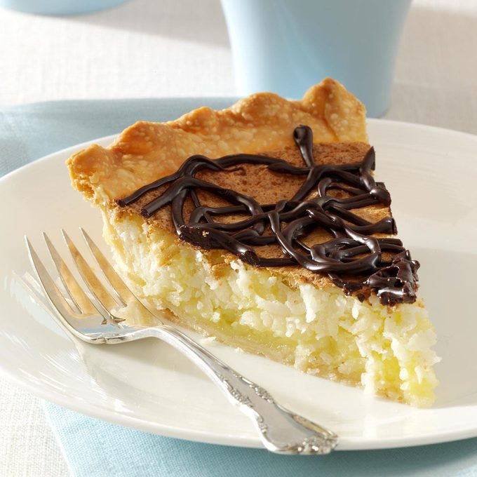 Coconut Macaroon Pie With Chocolate Ganache Exps88862 Thcb2302822a01 12 9b Rms